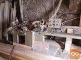 Štiristranski obdelovalni stroj za les